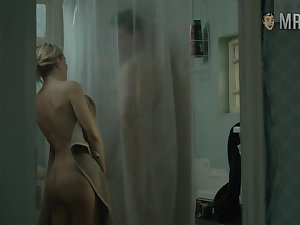 Enjoy chap-fallen booty flashed by such a charming beauty named Kate Hudson