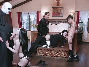 Some really wild orgy with sex-mad nympho misnamed Kate Bloo