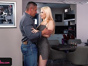 Seductive babe Roxy Risingstar gives a great blowjob with an increment of rimjob after party