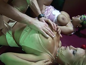 Sizzling sexual discovery with Carmella Bing and Cassie Morgan