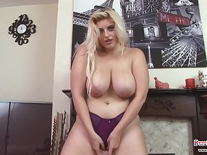 Watch this busty, blonde,delicious,curvy milf!