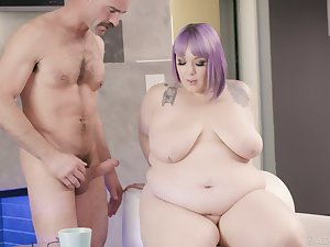 Chubby BBW Alexxxis Allure fucked by handsome lover on the bed