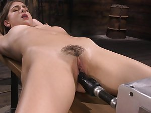 Kristen has a fucking machine in her pussy and that spread out is so adorable