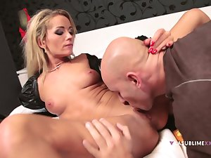 Hot blonde named Sunshine shares all of herself with a guy