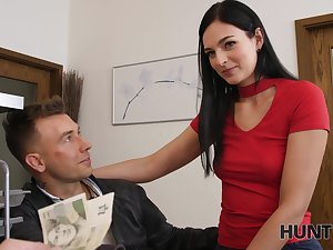 Stranger offers money for sex in pretty girlfriend