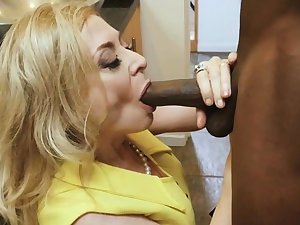 BBC stud dives impenetrable depths in slutty mature housewife